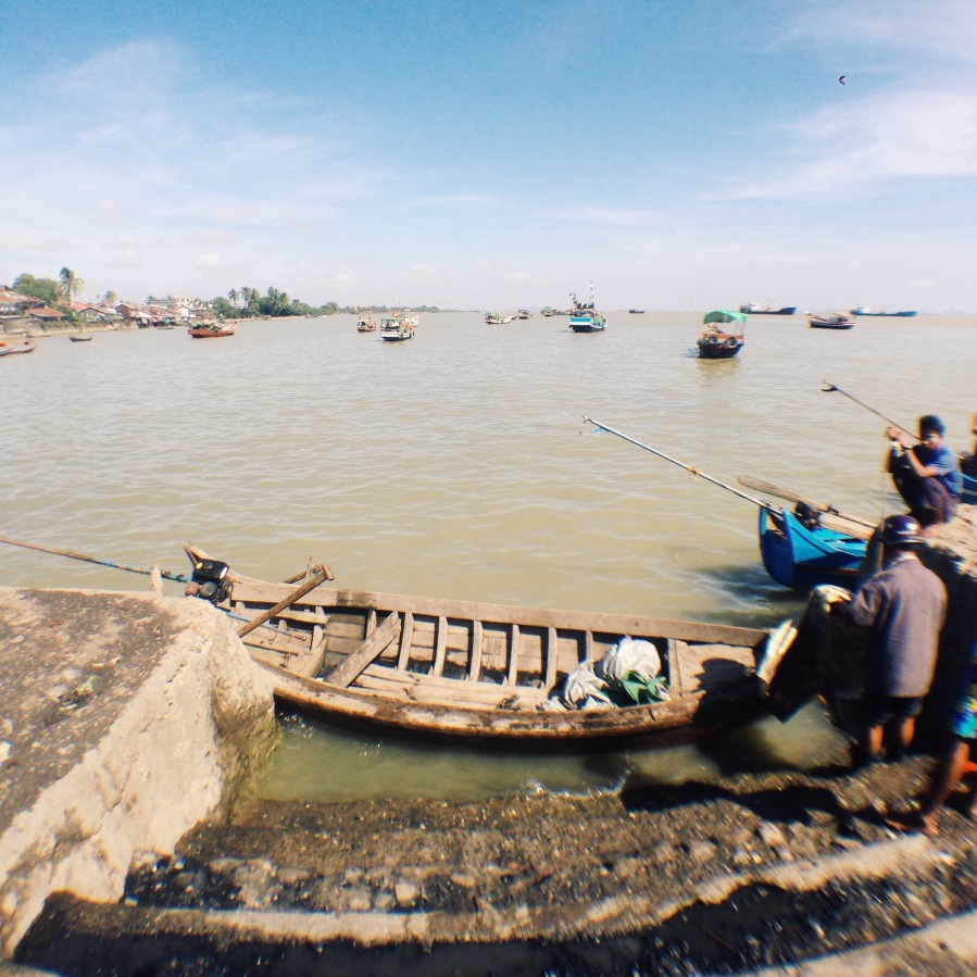 Busy riverside in Sittwe